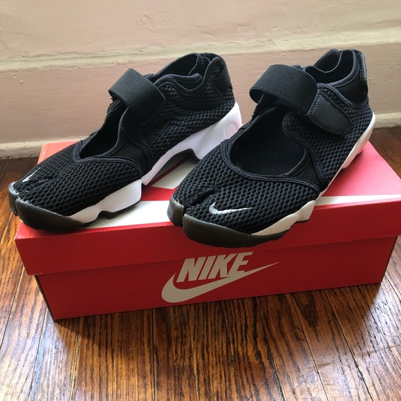 Nike Shoes   Womens Nike Air Rift Br